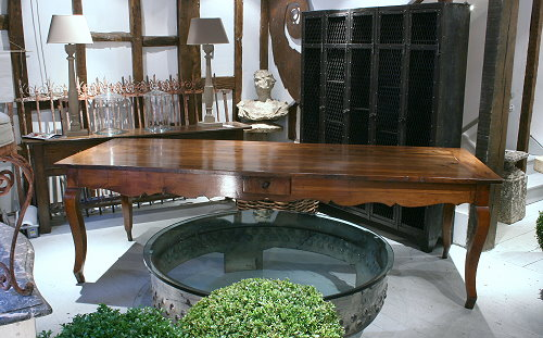 French provincial farmhouse table in fruitwood - lantiques